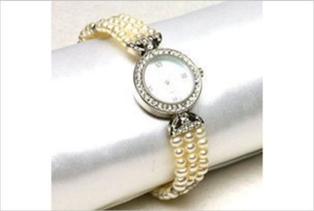Watches with highest quality pearls     FAI WONG JEWELLERY CO., LTD.